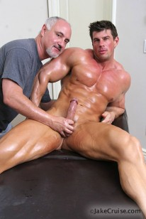 Zeb Atlas Massaged from Jake Cruise