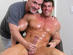 Gay Porn - Zeb Atlas Massaged from Jake Cruise