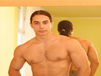 Ripped Kiamu Palau from Bel Ami Online
