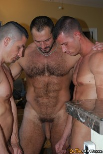 Threesome Fuck from On The Hunt