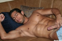 Muscle hunk David from Man Avenue