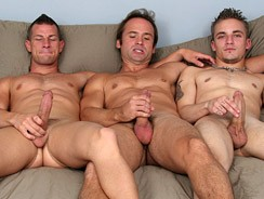 Bareback 3way from Jake Cruise