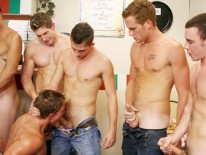 Pizza Boy Gangbang 1 from Jet Set Men