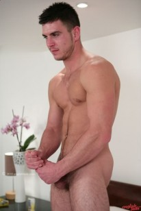 Str8 Hunk Patrick from English Lads