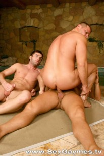 Muscle Hunk 3way from Sex Gaymes