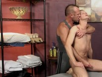 Massaging Tucker Bradley from Club Amateur Usa