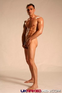Muscle Bound Brett from Uk Naked Men