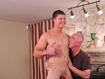 Aaron Rivers Massaged from Jake Cruise