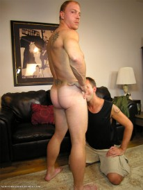 Servicing Kyle from New York Straight Men