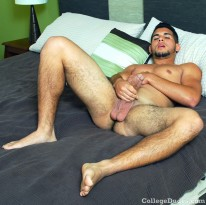 Darius Suave Busts A Nut from College Dudes