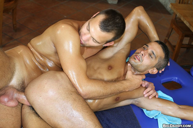 gay side 9 massage rene dee porno