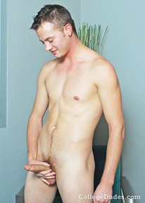 Kyle Hurson Busts A Nut from College Dudes