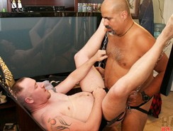 Gay Porn - Maximus Oconnel And Rafael La from Hairy And Raw