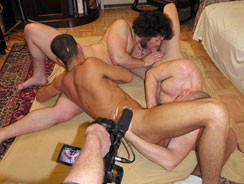 Threeway Suckfest from New York Straight Men