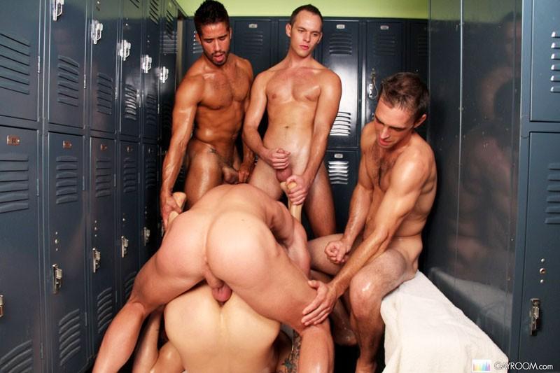 Gayhousebait Locker Room Tryst