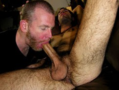 Emergency Blowjob from New York Straight Men