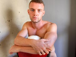 gay sex - Flexing And Stripping from Bentleyrace