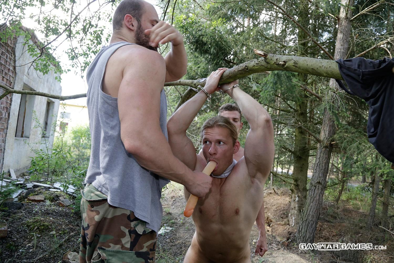 gay war games tied
