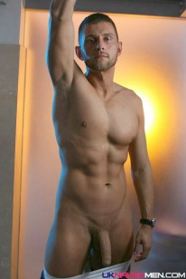 Lucas Lions from Uk Naked Men