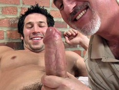 Gay Porn - Leo Giamanni Serviced from Jake Cruise