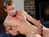 Xtrahung Uncut Muscle