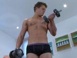 Aaron Pumps Up Body