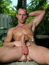 Brent Shows Off from Perfect Guyz
