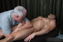 Muscled Hunk Gets Bj from Jake Cruise