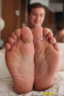 Worshiping Krists Feet from Daddy Mugs