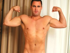 Straight Hunk Hunter from The Guy Site