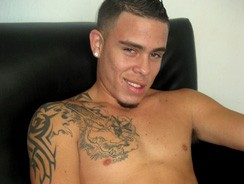 Luis Jerks Off from Miami Boyz