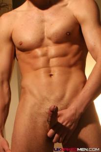 Straight Kick Boxer Peter from Uk Naked Men