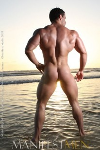 Muscle Hunk Alejandro from Manifest Men