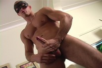 Young Hunky Leo from Maskurbate