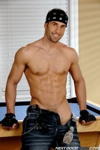 Tyler Hunt from Next Door Male