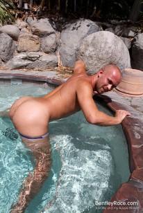 Hot In The Desert With Scott from Bentleyrace