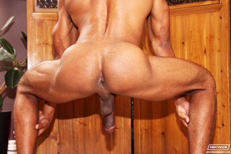 message! hunky trio enjoy a cock sucking fest dont wear panties