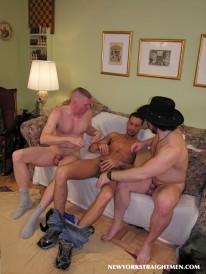 Threeway Suckfest from New York Straight Men