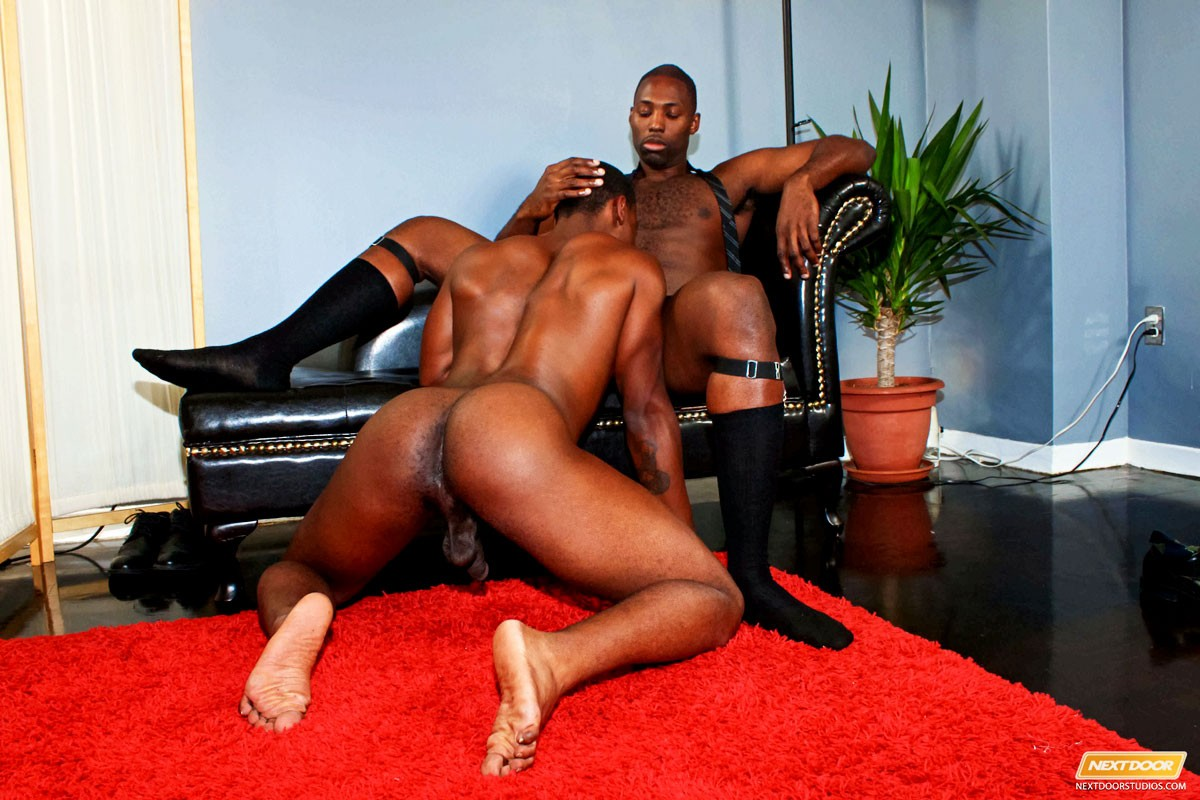 clip-ebony-gay-man-sample
