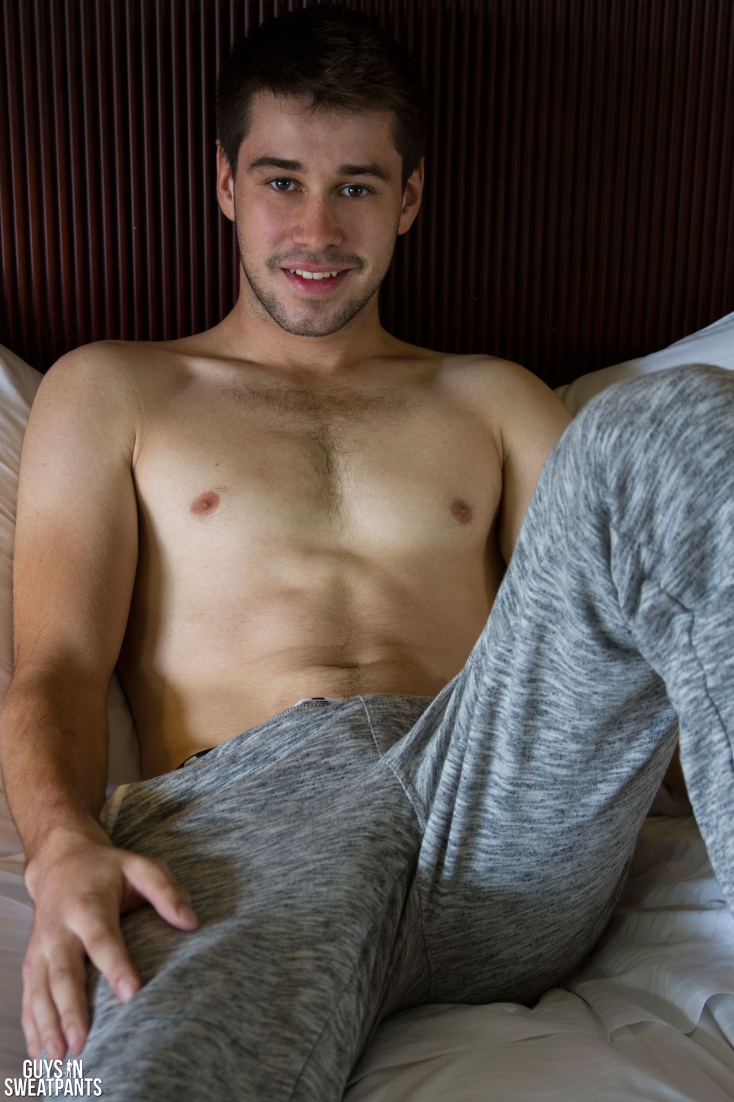 Guysinsweatpants
