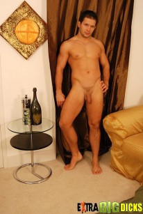 Gabriel from Extra Big Dicks