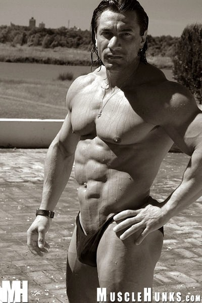 Magnificent Bodybuilder daniel morocco naked for the