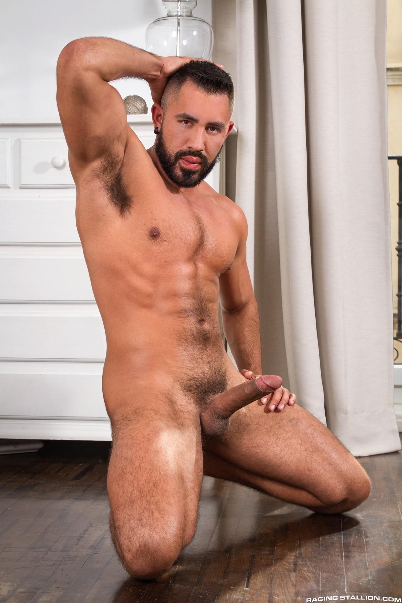 Итальянская порнозвезда мужчина, в каблуках порно