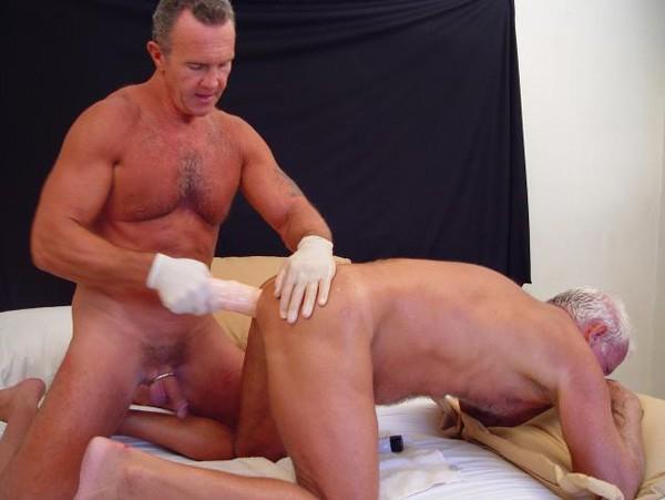 Free trailers of older4me gay men