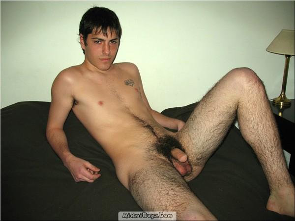 Фото голых худых волосатых молодых парней — pic 12