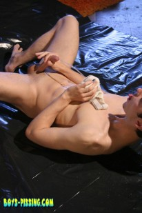 Kaleb And Ian from Boys Pissing