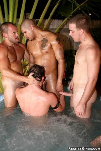 Well Hung from Papi.com
