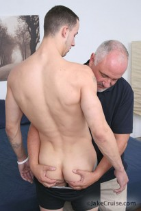 Criss Strokes Serviced from Jake Cruise