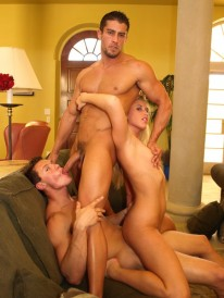 Bi Threesome from Cody Cummings