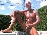 Muscle Daddy Jerking